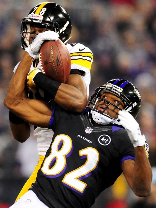 Pittsburgh Steelers cornerback Cortez Allen breaks up a pass intended for Baltimore Ravens wide receiver Torrey Smith.